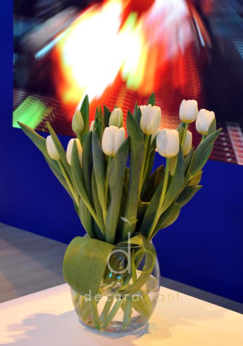 Centro con tulipán