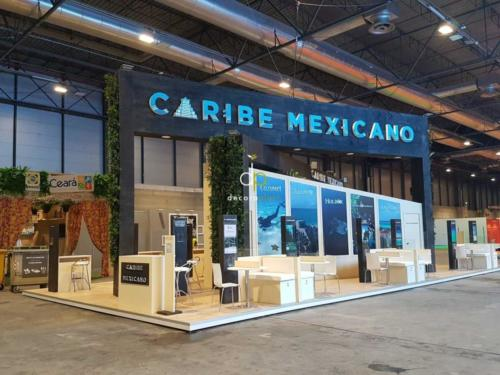 Jardín vertical con planta natural tropical Caribe FITUR 2021